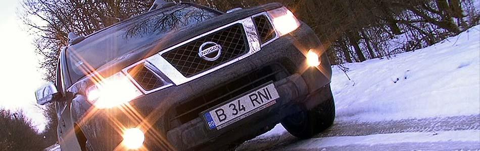 Nissan Navara 2010-lights