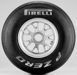 Pirelli_F1_slick_Pirelli-UP_silver