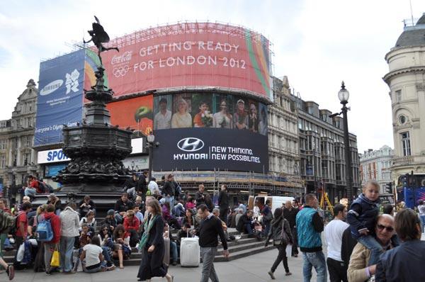 Hyundai advertising London_Piccadilly-Circus
