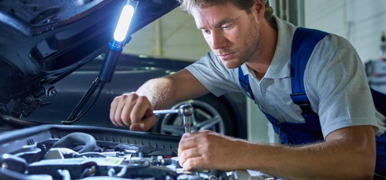 Philips Automotive Lighting: nouă generație de lămpi profesionale de lucru cu LED
