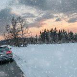 Condusul pe timp de iarnă vi se pare dificil?