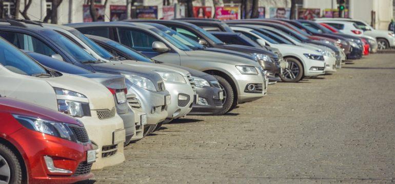 Cumpărați informat o mașină de ocazie: cereți online un raport VIN cu istoricul ei complet