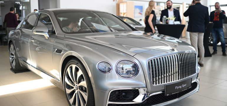 Noul FLYING SPUR ajunge in showroom-ul Bentley Bucuresti