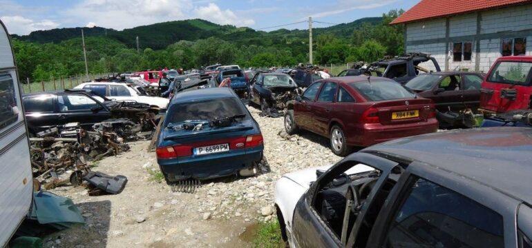 Cât de mult merită să cumpărăm piese auto de la dezmembrări?