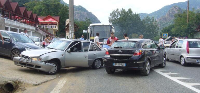 Ce piese auto se vand cel mai bine din cauza accidentelor usoare in Romania?